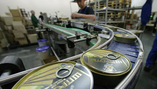 В Псковской области «Щиглицкий рыбзавод» в четыре раза увеличил выпуск шпрот