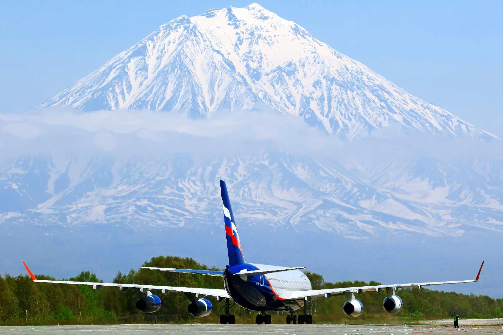 В аэропорту Петропавловск-Камчатского открылась новая взлетно-посадочная полоса