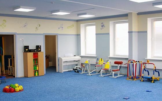 в Брянске состоялось открытие детского сада №10 «Мозаика», расположенного в Советском районе Брянска. «Мозаика» рассчитана более чем на 300 детей, ее площадь — более пяти тысяч кв. метров. Это второй по величине в регионе и единственный в городе трехэтажный детский сад.