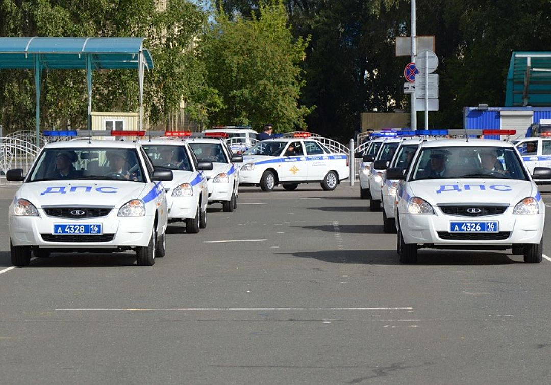 55 новых патрульных авто «Лада Приора» получило МВД Татарстана