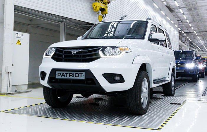 Ульяновский автомобильный завод представил УАЗ Патриот с электронной системой кругового обзора и помощи водителю