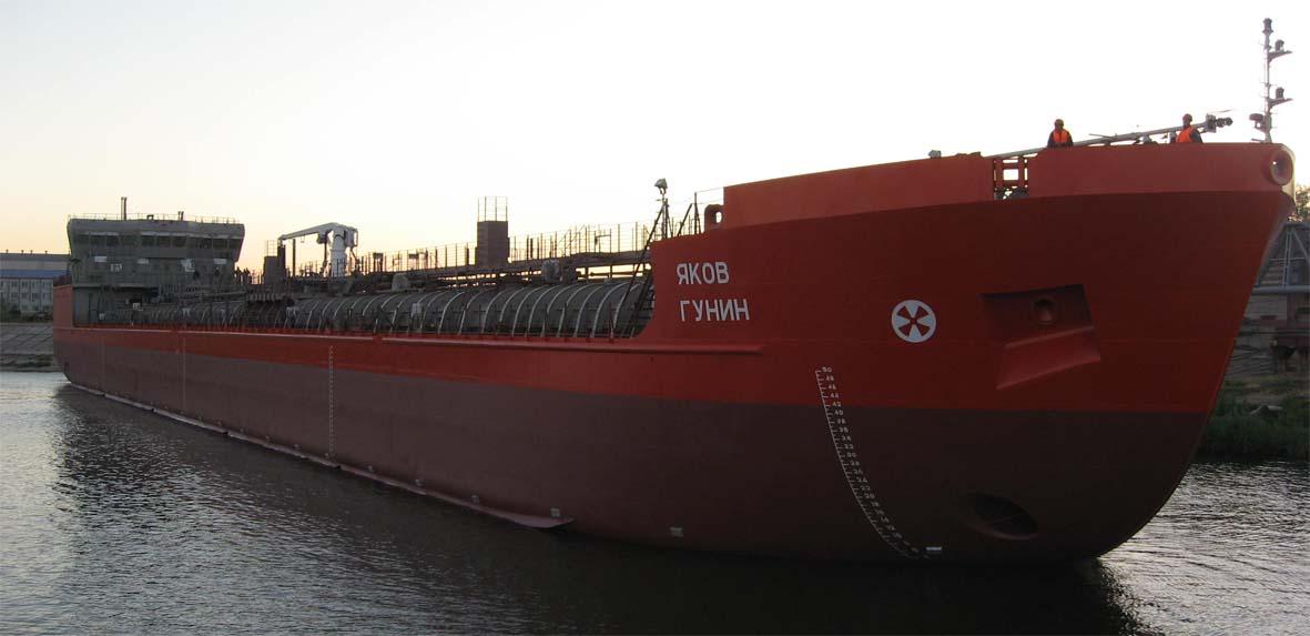 Астраханский завод «Лотос» сдал второе нефтеналивное судно проекта RST25