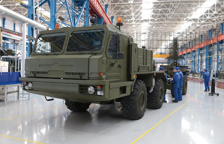 Брянский автозавод за год удвоил производство колесных тягачей