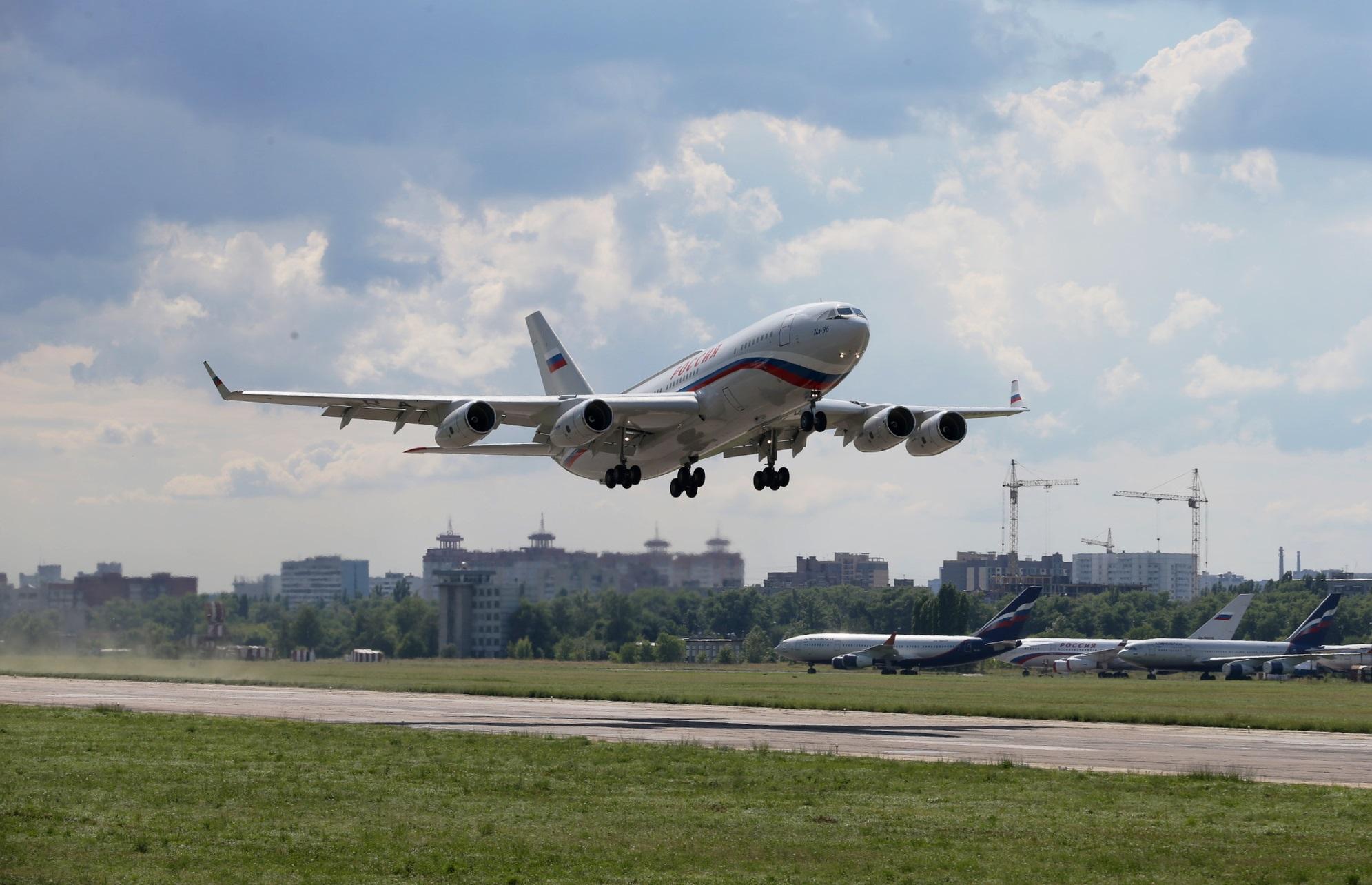 Летный отряд Управления делами президента РФ получил новый самолет Ил-96-300