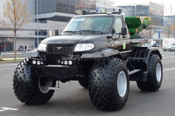 Липецкая компания выпустила новую машину для внесения минеральных удобрений