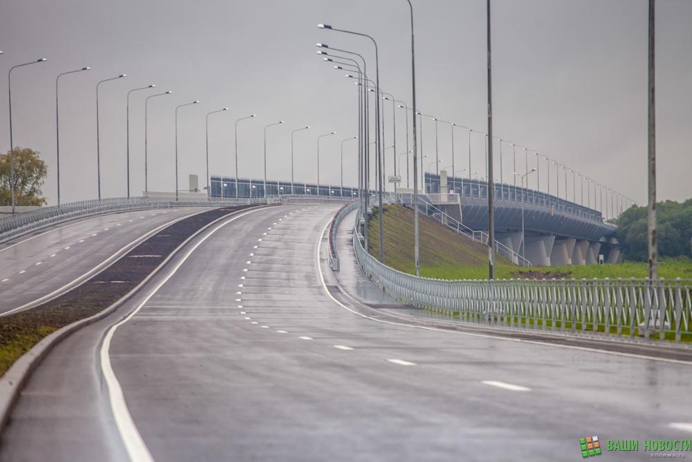 Мост длиной почти 1 км через реку Волхов открыли в Великом Новгороде