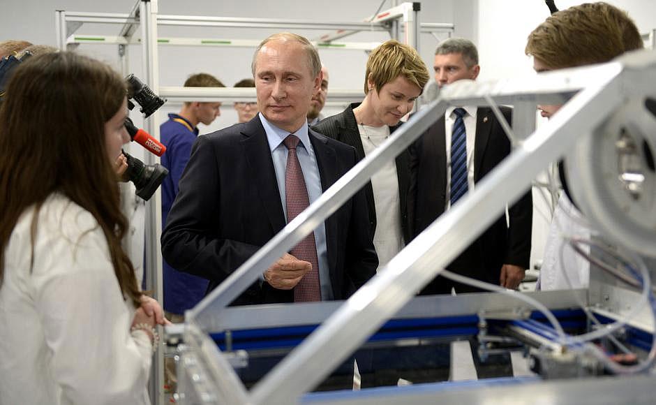 Путин на показе