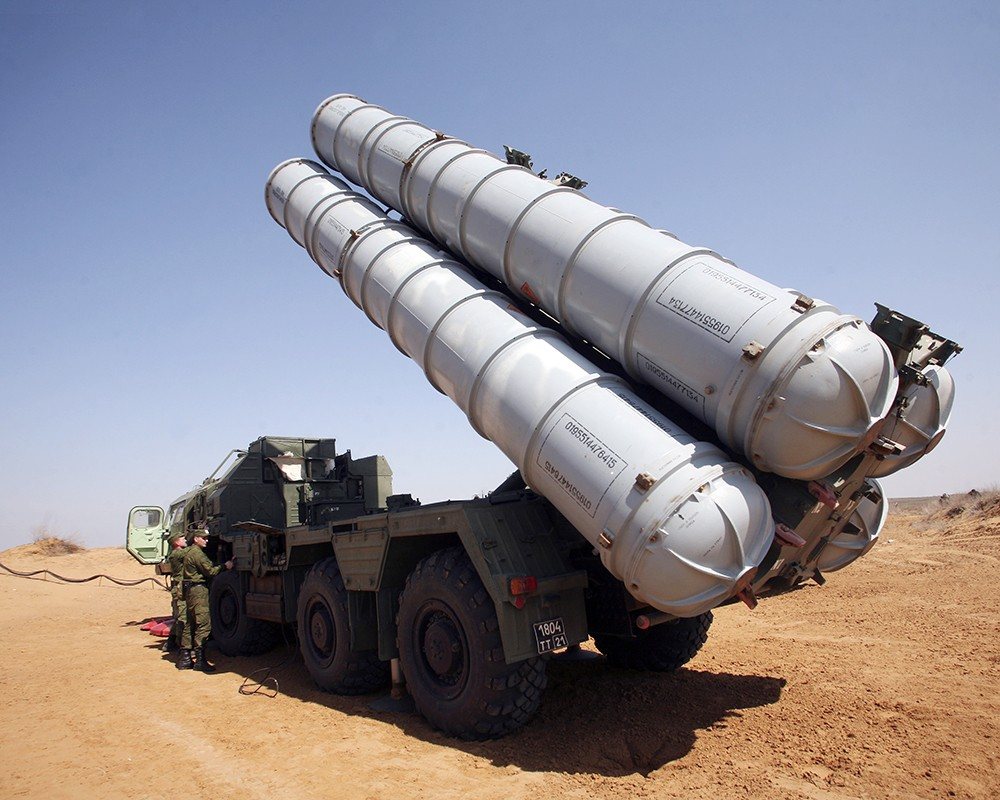 Зенитные ракетные комплексы С-300ПС «Фаворит» заступили на боевое дежурство в Южной Сибири