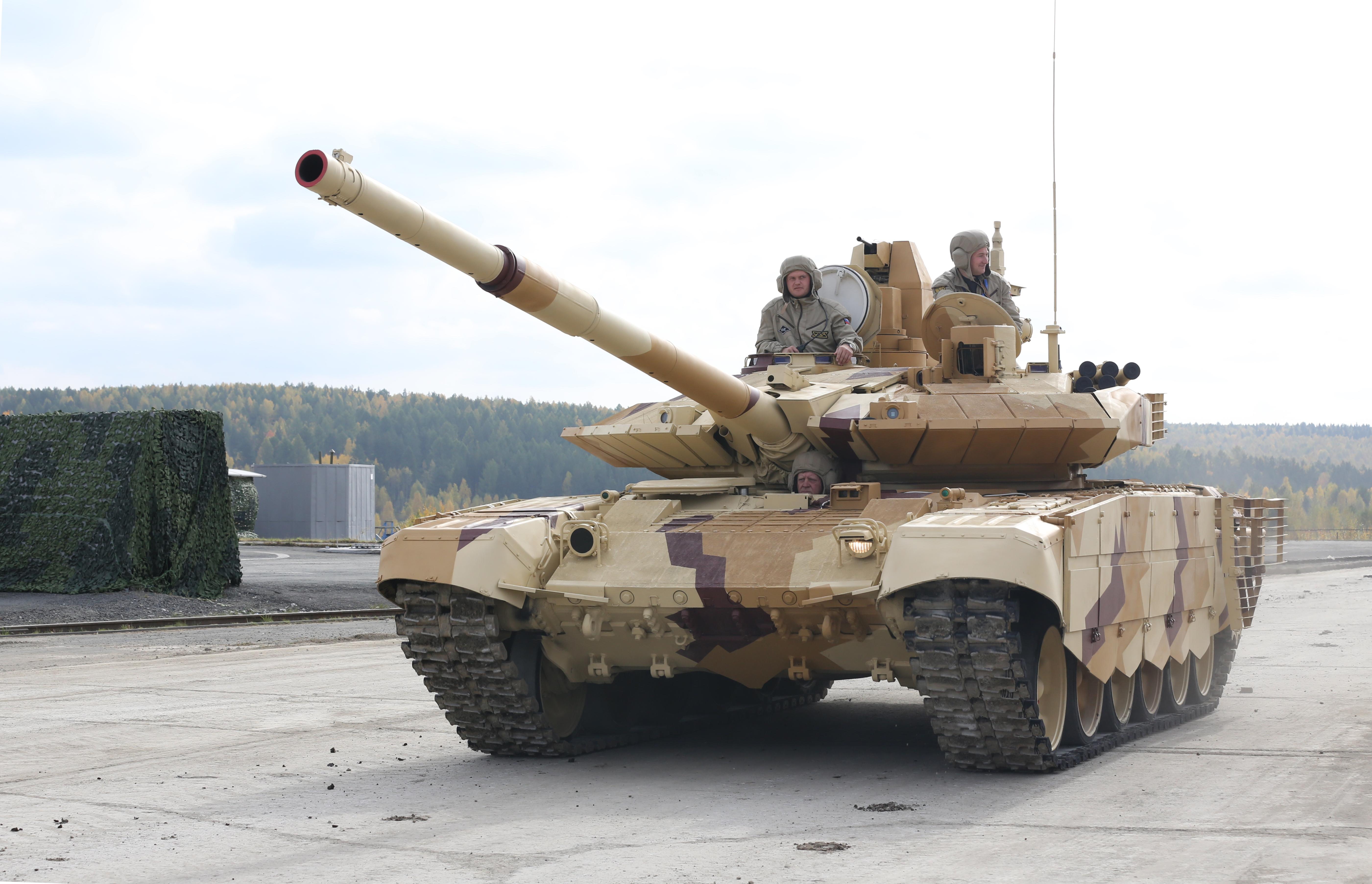 В Алжир отправилась партия новых танков Т-90СА