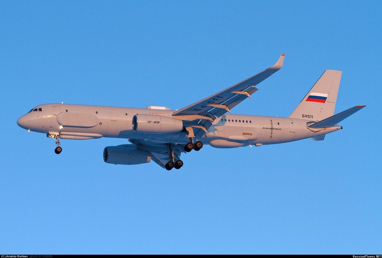 Министерство обороны России заключило контракт на постройку третьего самолета Ту-214Р