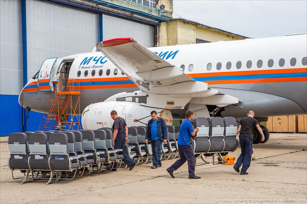 В Жуковском показали специальный Суперджет 100 МЧС России (+14 фото)