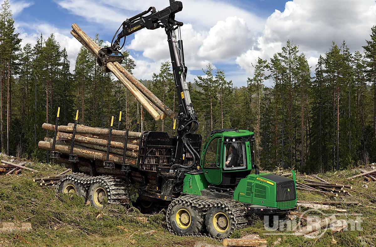 Концерн Тракторные заводы показал новые российские лесозаготовительные машины