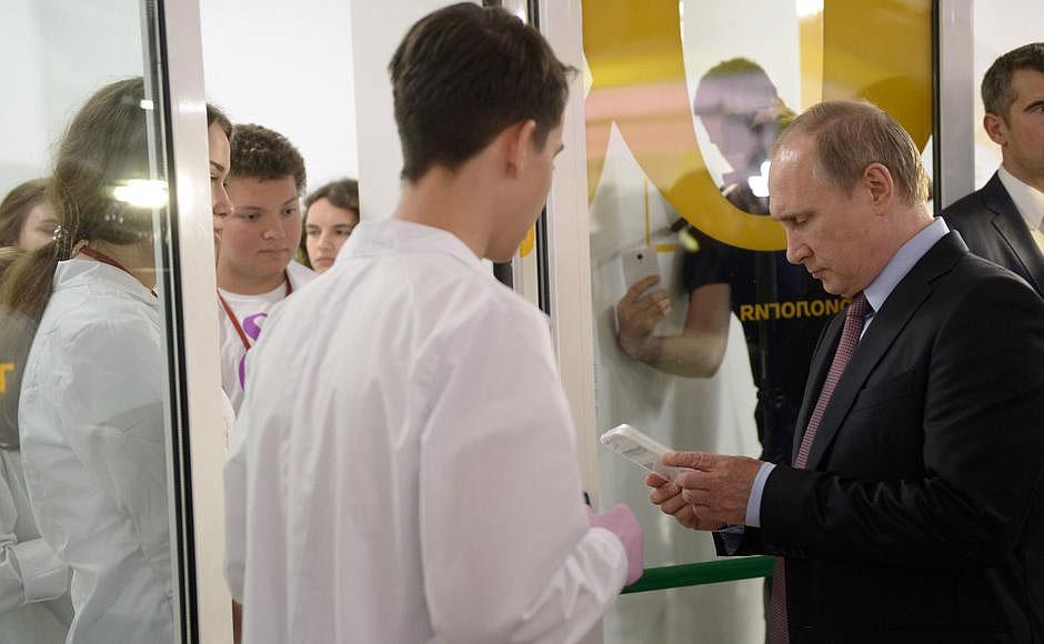 путин посетил молодых и талантливых