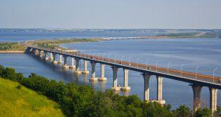 Движение транспорта в тестовом режиме открыли по новому мосту через Каму в Татарстане