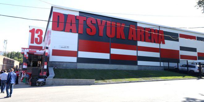 Новую ледовую арену открыли в Екатеринбурге