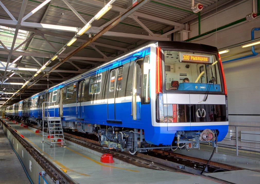 Продолжается обновление подвижного состава для метро Москвы и Санкт-Петербургаа