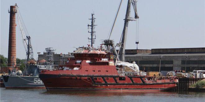 В Астрахани спустили на воду спасательное буксирное судно СБ-739