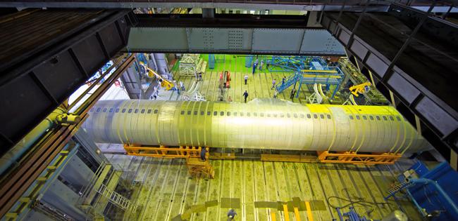 В ЦАГИ установлен фюзеляж МС-21-300 для статических испытаний