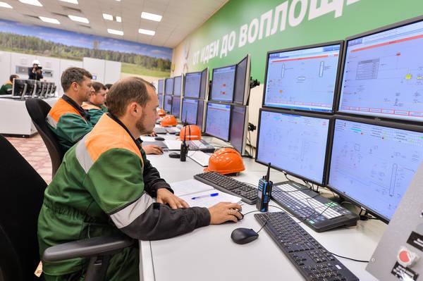 В Татарстане открыли модернизированное химическое производство