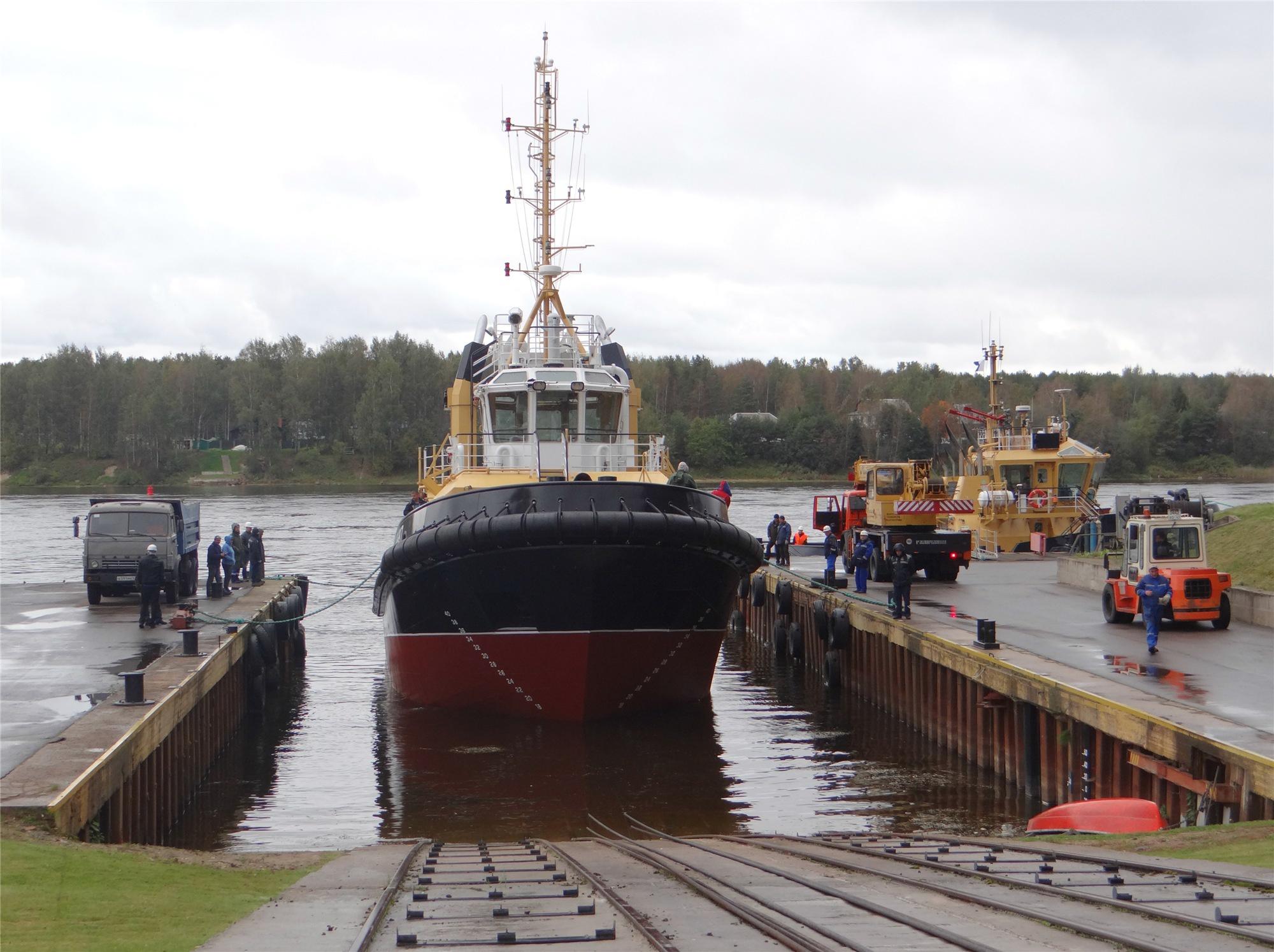 На ферфи «Пелла» спустили на воду буксир РБ-397