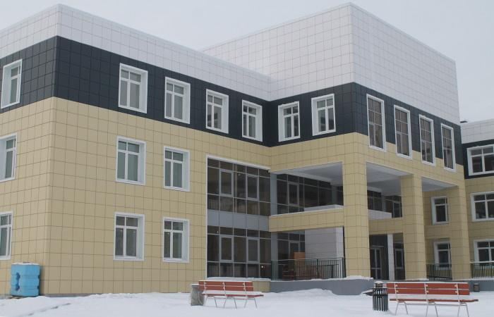 Новую школу на 520 человек открыли в п.Залари (Иркутская обл.)