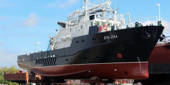 Новый гидрографический катер спустили на воду в Рыбинске