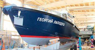 «Озерная Верфь» спустила на воду первый катер проекта 12М