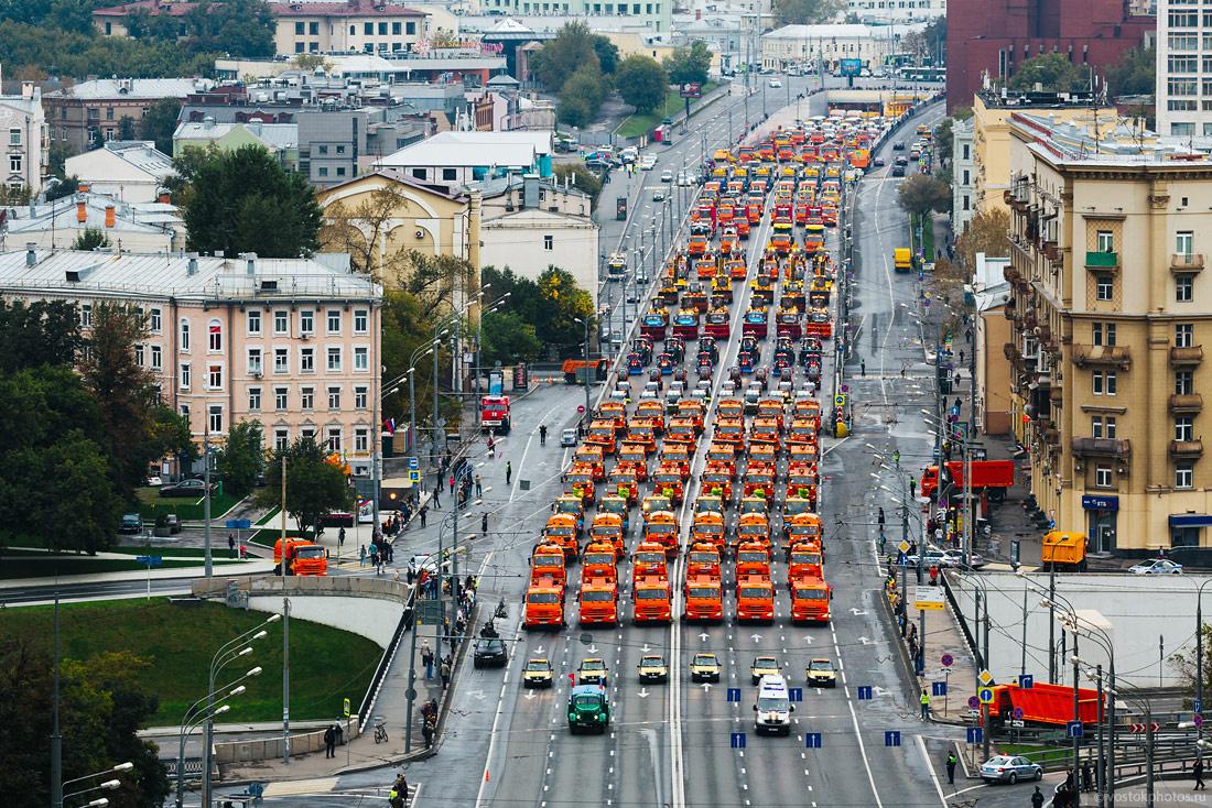 Первый московский парад городской техники стал самым масштабным в мире (10 фото)