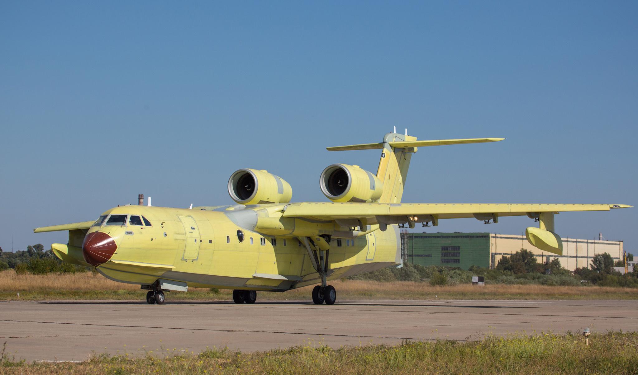 Первый произведенный в Таганроге Бе-200ЧС поднялся в воздух