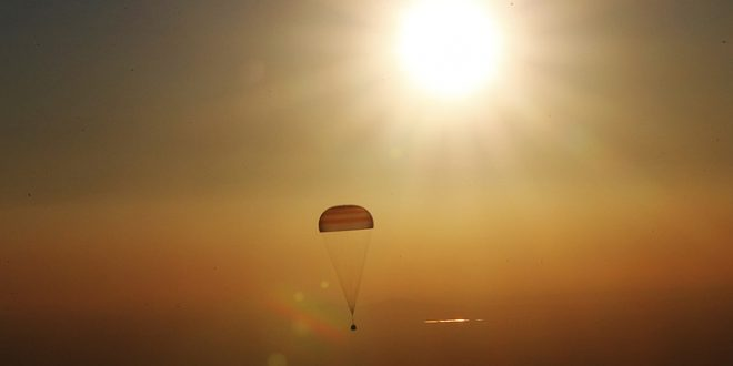 Союз ТМА-20М с тремя космонавтами успешно вернулся на землю