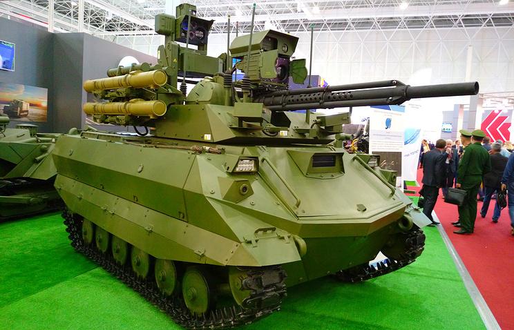 """В Российскую армию в 2016 году поступит сразу 20 ударных роботов """"Уран-9"""""""