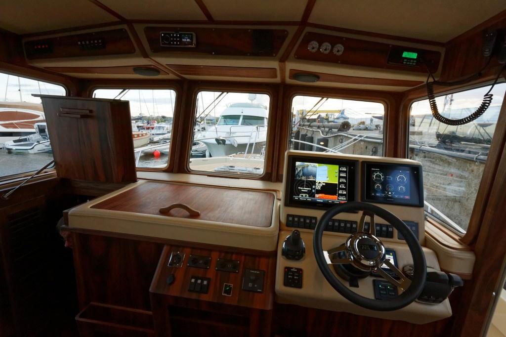 В Санкт-Петербурге компания NorthSilver спустила на воду новую экспедиционную яхту