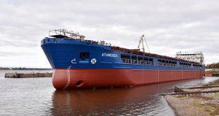 На Невском судостроительном заводе спустили на воду сухогруз для Казахстана
