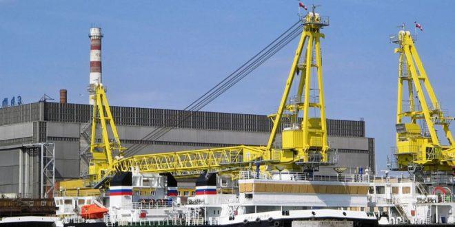 Новый самоходный плавучий кран СПК-49150 получил Балтийский флот