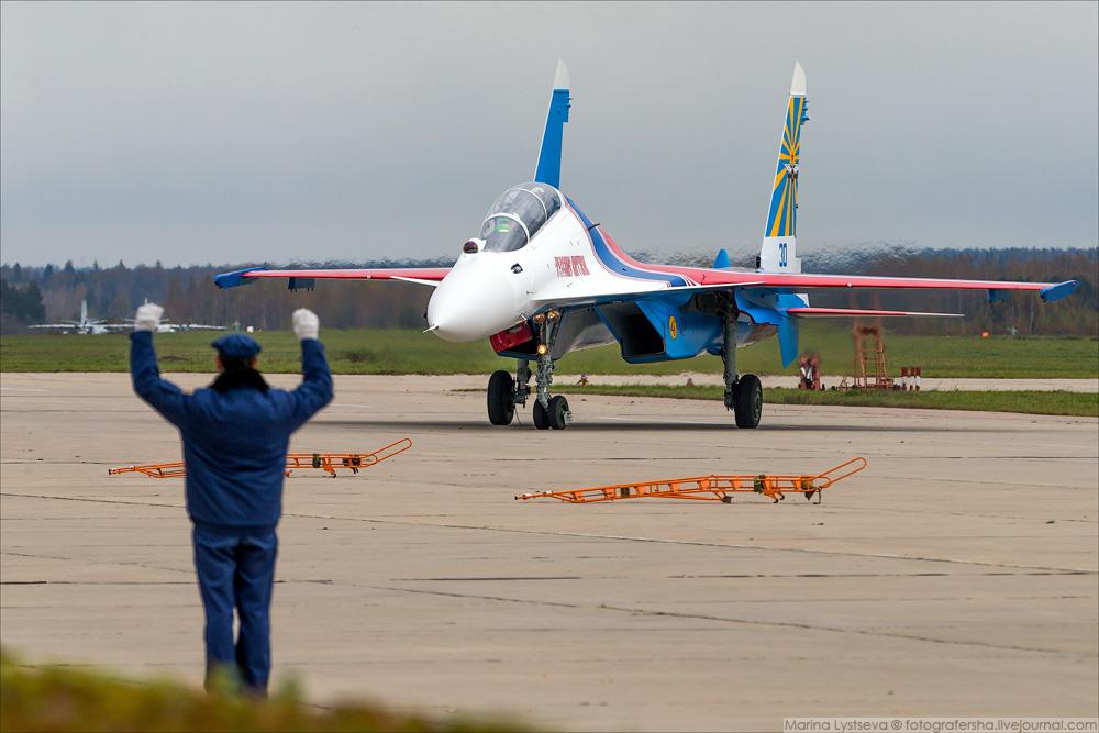 Репортаж о передаче Русским Витязям новых Су-30СМ
