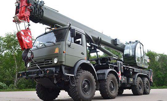 32-тонный кран поступит на вооружение инженерных войск
