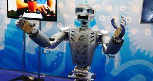 Роботы будут помогать российским космонавтам
