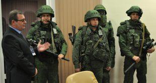 Разведчики ЗВО получили свыше 500 комплектов боевой экипировки «Ратник»