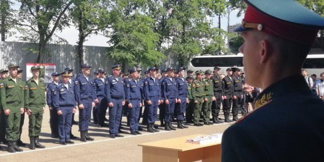 Все на службу: в Москве новобранцы отправились в армию